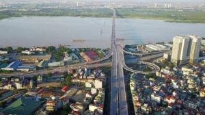 Xây cầu Vĩnh Tuy giai đoạn 2 nằm cách cầu cũ 2m
